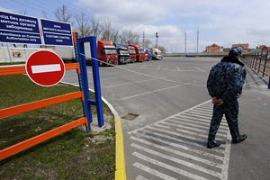 Львівська митниця заспокоює: напливу вболівальників немає
