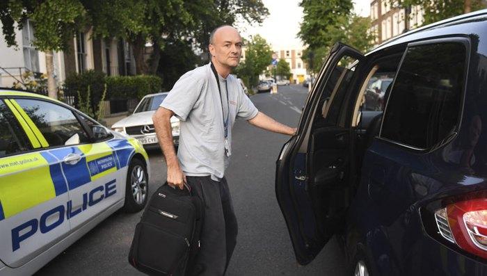Домінік Каммінгз біля свого дому в Лондоні, 27 травня 2020