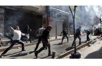Тысячи турков вновь вышли на улицу против строительства мечети и властей