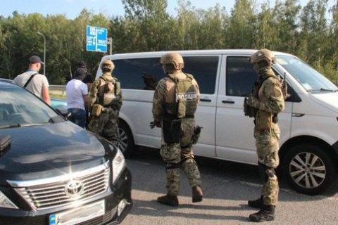 """Поліція затримала кримінального авторитета на прізвисько """"Зурік"""" з гранатою і наркотиками"""
