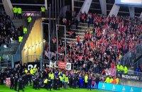 Во время матча чемпионата Франции по футболу обрушилась трибуна с болельщиками