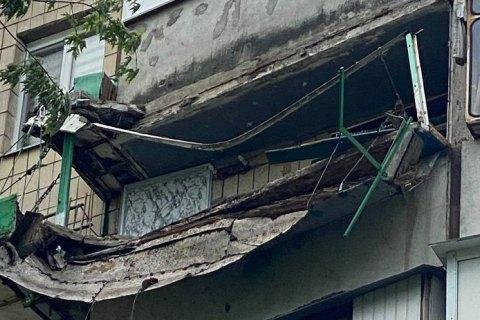 Киевлянин пытался вырастить клубнику и обрушил балкон