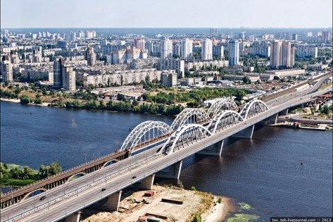 У Києві на вихідних перекриють Дарницький міст для ремонту