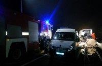 """У ДТП з вантажівкою і автобусом """"Херсон - Москва"""" загинуло троє людей, 15 постраждали"""