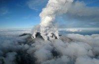 Число пострадавших при извержении вулкана в Японии достигло 63 человек