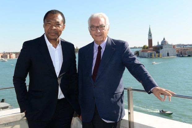 Куратор 56-й биеннале Оквуи Энвезор и Президент Венецианской биеннале Паоло Баратта