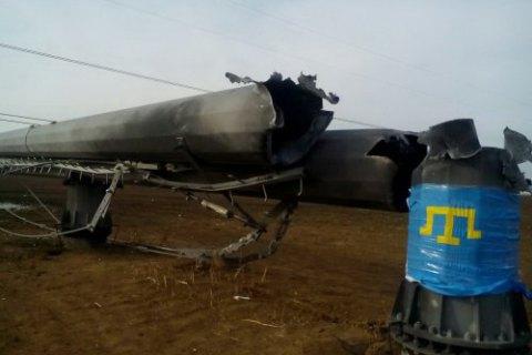 Крымские татары требуют перерезать провода перед допуском ремонтников к ЛЭП