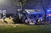 У ДТП в передмісті Праги три людини загинули, 45 отримали поранення