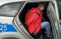 У Польщі затримали українського далекобійника, який під час руху випив пляшку горілки