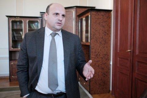 Суд оставил без изменений меру пресечения главе Черновицкого облсовета