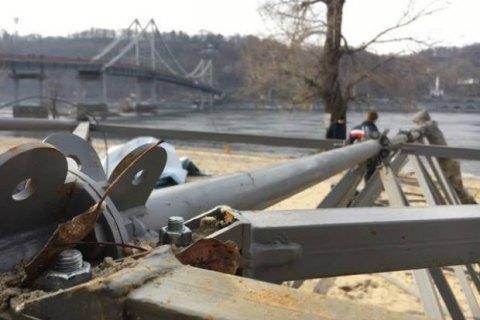 В Киеве демонтируют канатную дорогу через Днепр