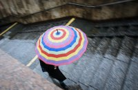 В пятницу в Киеве кратковременные дожди и грозы, днем - град