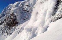 Чрезвычайники предупредили об опасности схода лавин в Карпатах