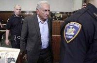 Ажиотаж во Франции: со Стросс-Кана снимают обвинения
