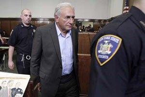 Стросс-Кан официально заявит суду, виновен он или нет