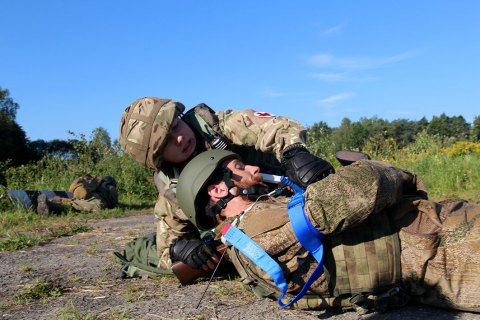 Один військовий загинув, ще двоє поранені на Донбасі за добу