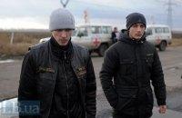 Из плена боевиков освободили двух украинцев, названы имена (обновлено, добавлены фото)