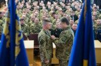 Порошенко присвоїв звання Героя України чотирьом командирам