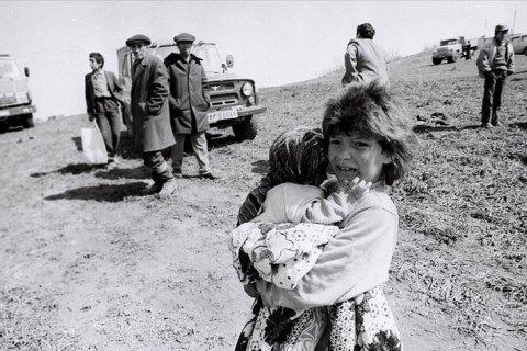 «Немає гіршого відчуття, ніж бути вдячною за смерть матері». Історії тих, хто пережив війну у Нагірному Карабасі