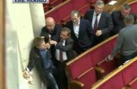 """В Раде """"оппоблоковцы"""" устроили драку с Гончаренко из-за сухарей для Скорика"""