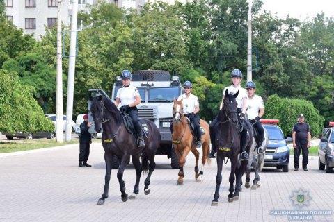 У Маріуполі з'явилася туристична поліція на мотоциклах, велосипедах і конях