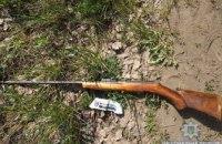 У Житомирській області чоловік стріляв у дворі з рушниці і поранив сусідську дитину