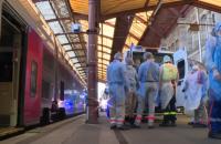 Франція почала перевозити хворих з коронавірусом на швидкісних поїздах