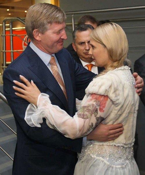 Ринат Ахметов и действующий премьер-министр Юлия Тимошенко на открытии Донбасс-Арены, 2009 год