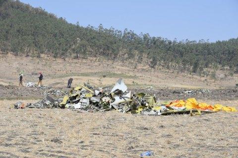 Специалисты расшифровали переговоры пилота и диспетчера перед крушением в Эфиопии