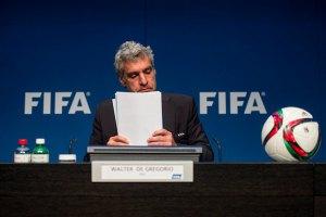 ФИФА не будет забирать чемпионаты мира у России и Катара