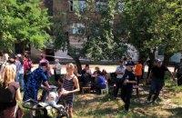 В Лисичанске спасатели эвакуировали 60 человек из разрушающегося дома (обновлено)