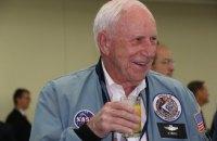"""Помер американський астронавт, визнаний """"найсамотнішою людиною"""""""