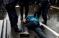 На протикарантинних протестах у Берліні затримали понад 360 осіб