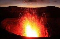 Через загрозу виверження вулкана евакуювали всіх жителів острова Амба