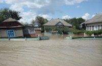 На Львовщине водой снесло мост и десяток домов