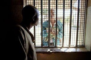 В Зимбабве налоговых инспекторов будут сажать в тюрьму