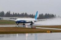 Новий Boeing 777X уперше піднявся в повітря