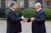 """Порошенко и Лукашенко проводят переговоры """"тет-а-тет"""""""