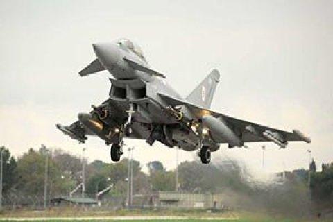 Египетская авиация нанесла удар по конвою с оружием на границе с Ливией