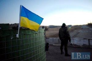 На трассе Бахмутка боевики обстреляли украинские блокпосты: погиб один военный