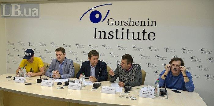 Слева-направо: Станислав Юрасов, Эмал Бахтари, Андрей Яницкий, Руслан Черный и Александр Ольшанский