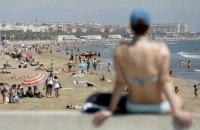 В Іспанії маски зобов'язали носити навіть на пляжі