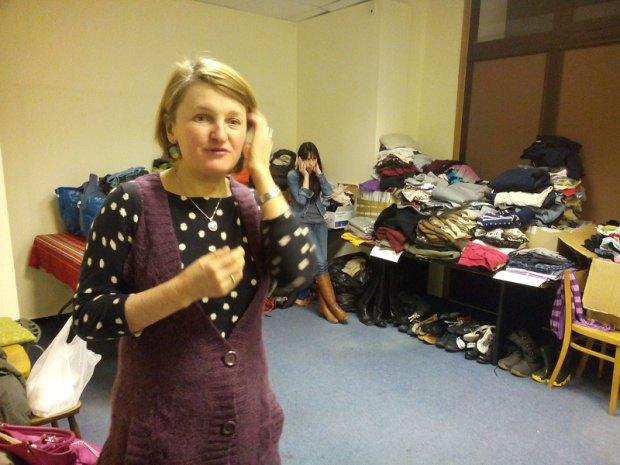 """Гуманитарная помощь беженцам в """"Украинском доме"""" в Варшаве"""