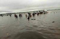 Самолет упал в озеро в Южном Судане, около 20 погибших