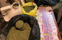У Луганській області затримали постачальників марихуани на окуповані території