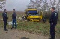 Під Херсоном маршрутний автобус злетів у кювет, є жертви (оновлено)