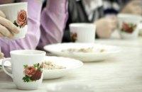 Отруєне літо. Хто відповідає за харчову безпеку в дитячих таборах?