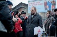 Власенко заявил, что ему хотят сократить время свиданий с Тимошенко
