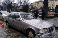 Во Львове неадекватный мужчина пытался поджечь два отделения полиции и СИЗО