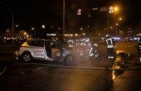 Два таксі зіткнулися і загорілися в Києві